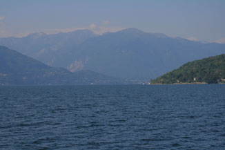 Late deals by Lake Maggiore for  Italian vacations